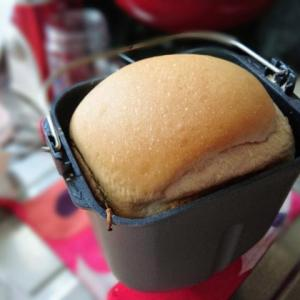 ホームベーカリーの食パンを薄く切るには?焼きたてパンでサンドイッチ!