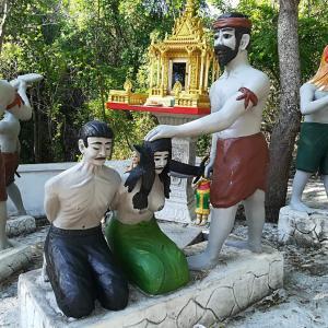キリングフィールドはカンボジア中にあるという話