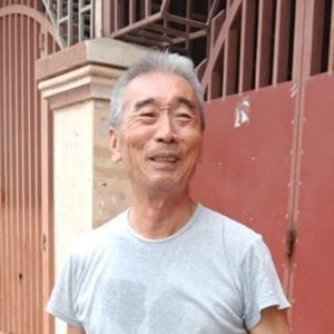 プノンペンでごみを拾い続ける一人の日本人男性の話