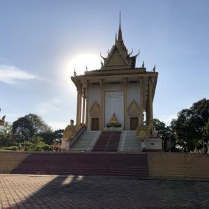 Wat Samroung Andetで祈りをささげる