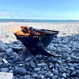 思い立ってチャリで海岸へ行き、焚き火してきました!
