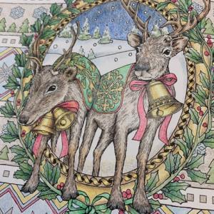 クリスマスのトナカイ【塗り絵】背景の模様は北欧カラーで塗ってみた