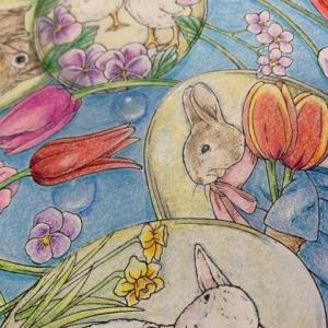 愛らしい動物たちのシンフォニーより「イースターの塗り絵」卵に苦戦!
