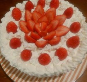 ケーキのデコレーションのやり方教えます!イチゴショートケーキの作り方!