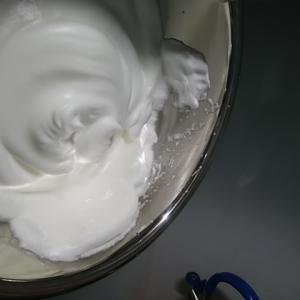 卵の泡立て方「別立て法」の特徴は卵白をしっかり泡立てること