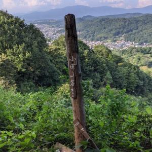 【会津に住むおじさんが戊辰戦争で新政府軍(西軍)が鶴ヶ城へ大砲を打ち込んだ小田山に登った話】