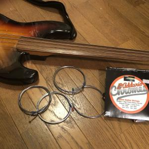 RJB-FL フェルナンデスのフレットレス・ベースの弦をフラット・ワウンドに交換