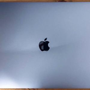 【macbookpro16の不具合】書類フォルダに英数字フォルダが自動作成される問題-原因はSpotifyだった