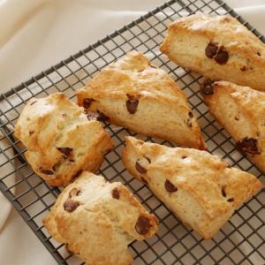 【バターなし】1番おいしい簡単チョコチップスコーンの作り方・レシピ