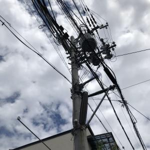 敷地内の電柱移設工事(関西電力管内)