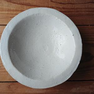 白いリム皿