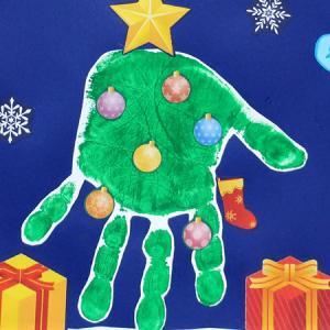 手形でクリスマスツリーを作ろう!手形アート・足形アートのデザイン