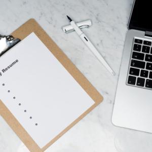 就活での必須書類!エントリーシート(ES)と履歴書の違いを解説