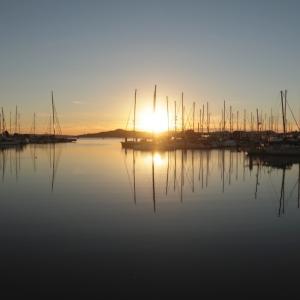 Reflection: ヨットハーバーのサンセット