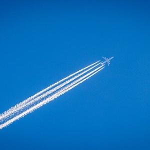 バフェット米4大航空会社の株式全て売却 日本の航空株はどうなる?