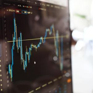 日経平均株価は底堅い動き。格付け見通しは「安定的」引下げも影響無し。