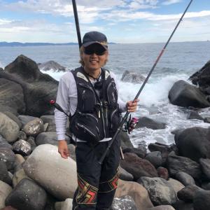 「江之浦のゴロタにある大岩」からの「江之浦漁港」フカセ釣りしてきました。【ゴロタ編】