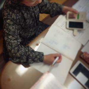 デスクと向き合う日々!~群馬県伊勢崎市ピアノ教室・矢島音楽教室