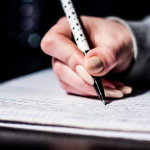 司法試験とペン。論文試験でおすすめの筆記用具