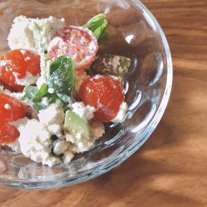 【サラダダイエット】アボカドとカッテージチーズのサラダ