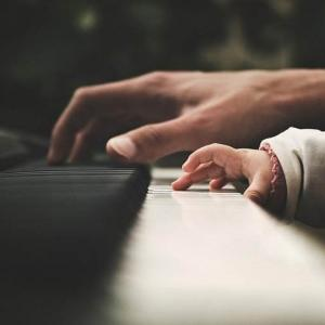 ピアノが弾けるってかっこいい!30台男子がハマっているピアノ系YouTuber3選