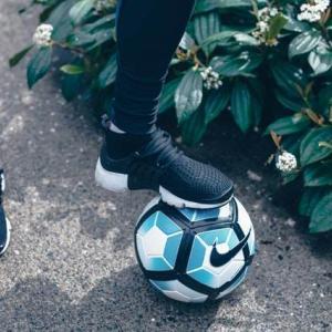 サッカー|30代男子が選んだ偉大なるファンタジスタ10選【海外選手から元日本代表、現役選手まで】