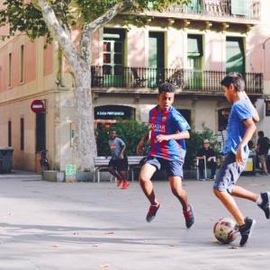 サッカー|30代男子が選んだ記憶に残る攻撃的サイドバックコンビ5選【元日本代表コンビから海外チームまで!】