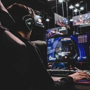 中国で施行された未成年者のオンラインゲーム「週3時間制限」に見える未来とは?日本ではどう見る?