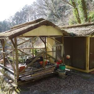 猟師小屋と幽霊屋敷