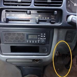 猟車の無線機取り付け位置