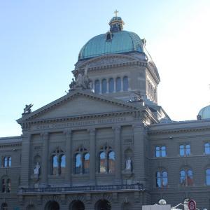 ドイツがスイス全土をコロナリスクの地域に指定。仕事、家族訪問、買い出しは?