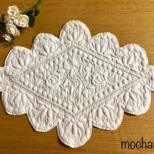 南フランスの伝統手芸「ブティ」・菱形の白いセンタークロス