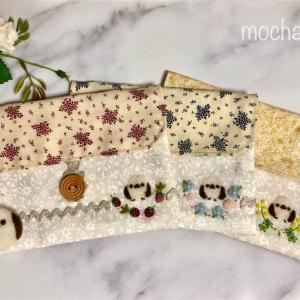 お揃いで可愛らしく、フタ付きポーチのセット・シマエナガとお花と野いちご