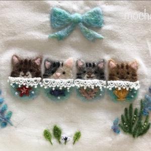 【夏の額飾り】4匹のねこと海草のリース・海草アマモとウミヒルモの刺しゅう