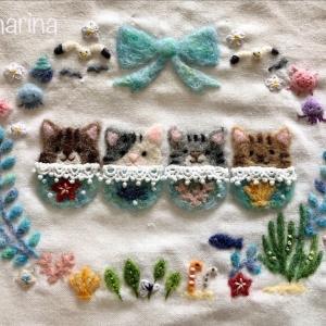 【夏の額飾り】チンアナゴやカモメ、海の生き物のリース・プルメリアの刺しゅうの作り方