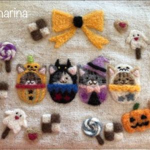 【ハロウィンの額飾り】お菓子のリース・ねこ達の「トリック・オア・トリート」