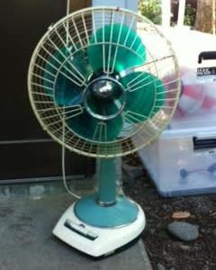 古くさい扇風機