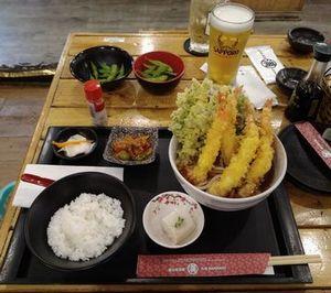 日本料理店③ 満マルランチ16食目、天ぷらうどん
