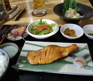 【魚定食】 ③Kai居酒屋 サーモンの照り焼き定食2