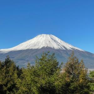 今朝の富士山と夕方の富士山