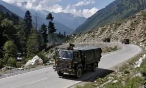 宿敵インドと中国が再び衝突 まっこう対立する両者の主張