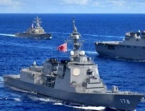 韓国海軍が旭日旗掲揚の自衛艦と訓練して激怒