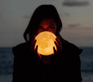 2月9日獅子座満月は「スノームーン」
