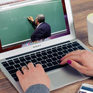 オンラインクラスをたったの二日でギブアップしてしまった語学学校