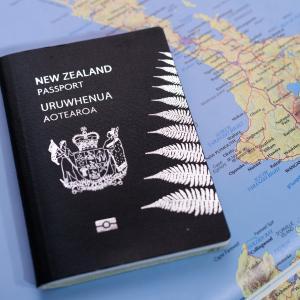 ニュージーランドの学校は通常授業に戻るも入国制限は継続中