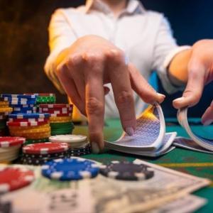 ベラジョンカジノのバカラを徹底紹介!ゲームの種類や基本ルール、必勝法も