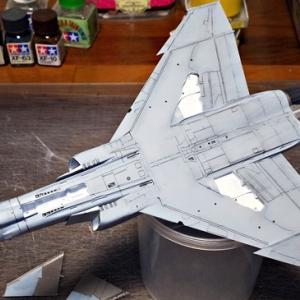F-4EJ改製作その③・スミ入れします。