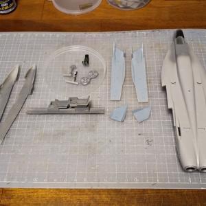 F/A-18ライノ製作その①・やっと再開です。