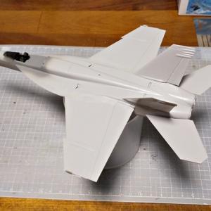 F/A-18Eライノ製作その②・下処理の下処理。