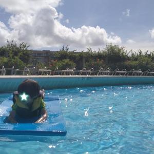 【英語修行inグアム2】カヌー初挑戦!プールや海での水遊び記録。